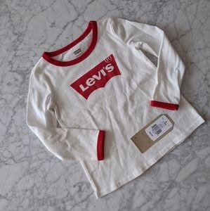2/$20! Levi's Long Sleeve Batwing Logo Tee